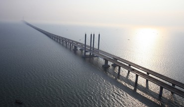 Awesome long bridge HD wallpaper