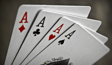 Ace cards macro playing HD wallpaper