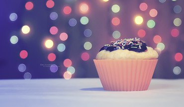 Delicious cupcake HD wallpaper