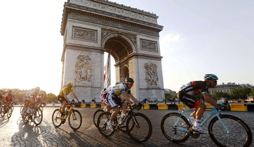 Triomphe christopher froome paris tour france cycling HD wallpaper