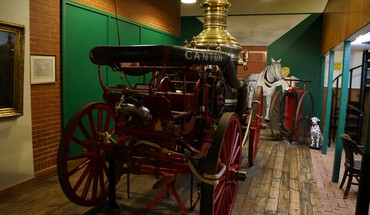 Antique fire engine HD wallpaper