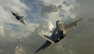F22 on patrol HD wallpaper