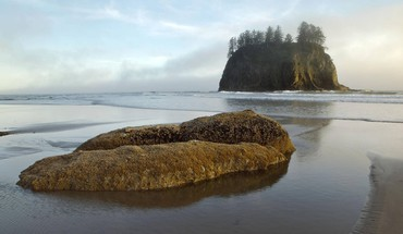 Sea stacks at second beach oregon HD wallpaper