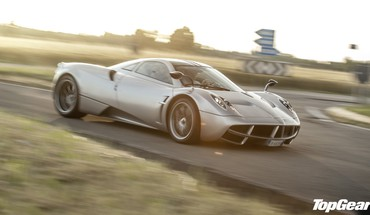 Top gear pagani huayra one HD wallpaper