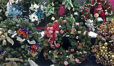 An array of wreaths HD wallpaper