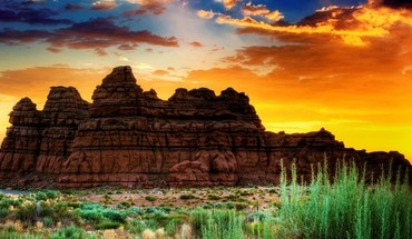 Beautiful desert rock formation HD wallpaper