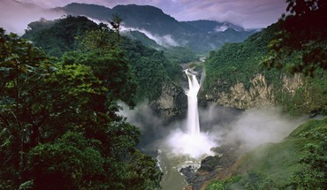 Falls on the quijos river in ecuador HD wallpaper