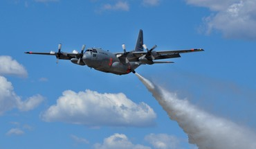 Firefighter c-130 hercules aerial tanker water bomber HD wallpaper