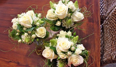 White bouquets HD wallpaper