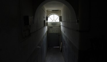 Exit tunnels exile doors HD wallpaper