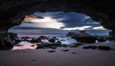 Amazing beach cave HD wallpaper