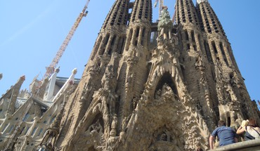Barcelona monument sagrada familia HD wallpaper
