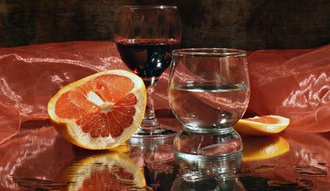 verres orange de l'eau alcool vignes de vin  HD wallpaper