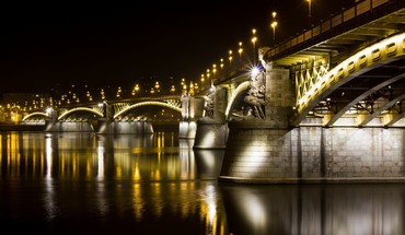 Fabulous bridge at night HD wallpaper