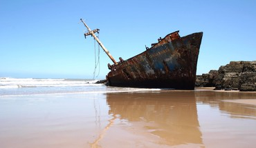 Sand sea ships wrecks HD wallpaper