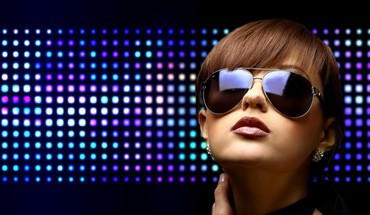 Disco brunettes club clubbing dancing HD wallpaper