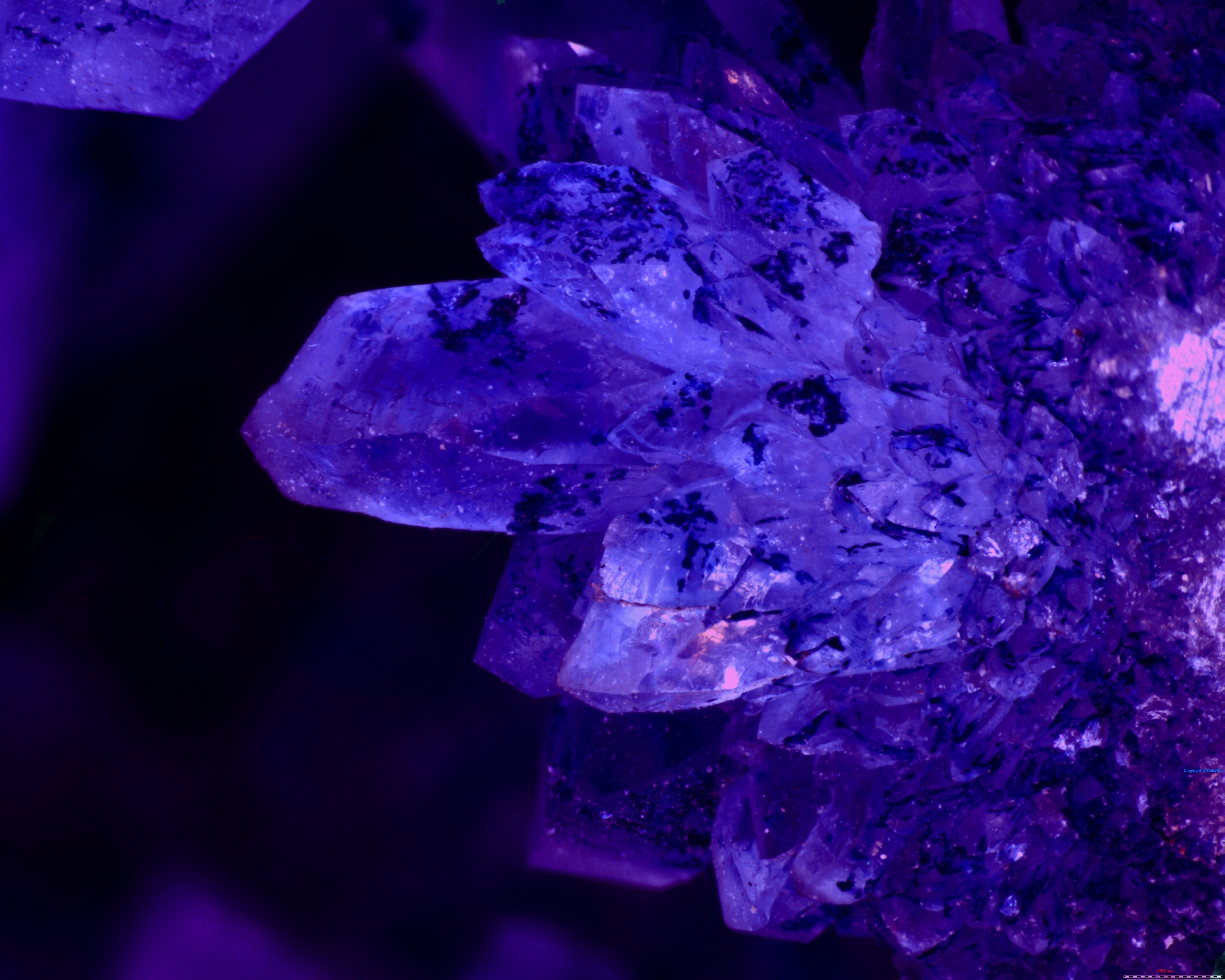 Aura crystals glow macro purple wallpaper | AllWallpaper ...