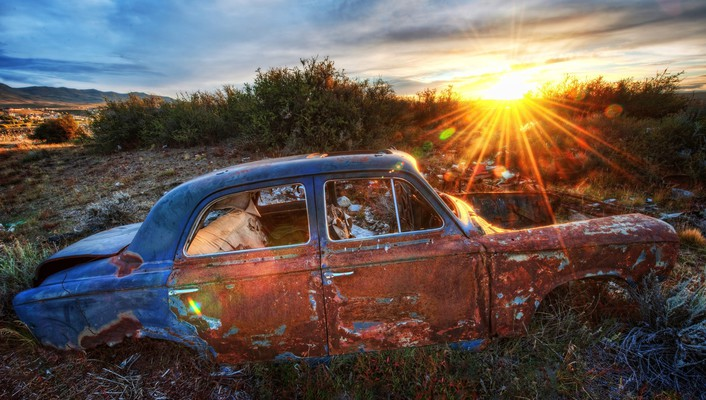 Sunset old car wallpaper