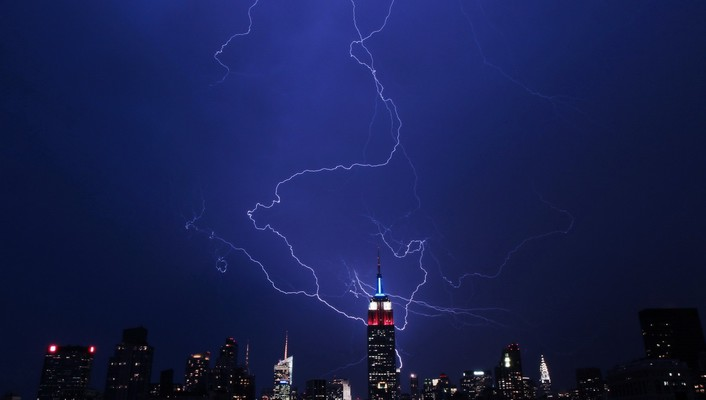 Storm empire state building lightning bolts wallpaper