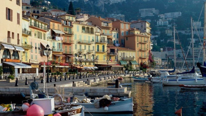Morning on waterfront in nice france wallpaper