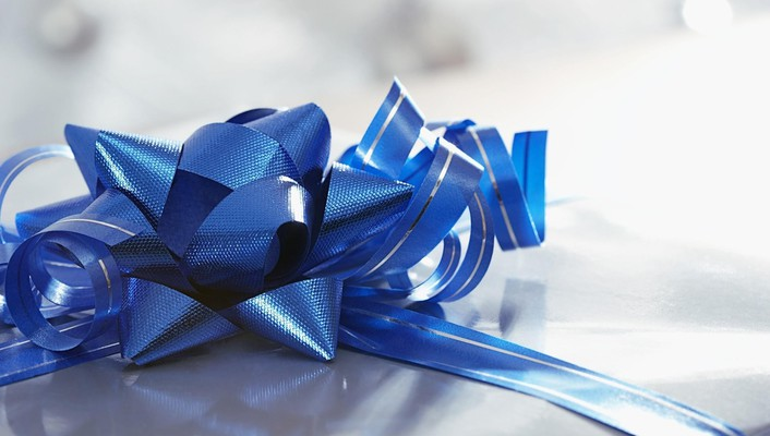Gift bow wallpaper