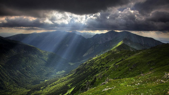 Heavenly light over balkan mountains wallpaper