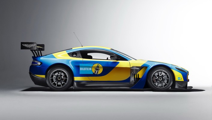 Aston martin v12 vantage gt3 wallpaper