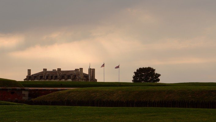 Fort niagara wall wallpaper