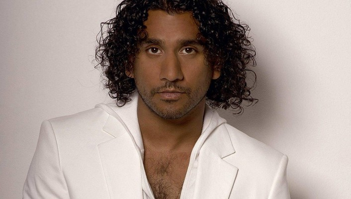 Actors dark skin naveen andrews simple background wallpaper