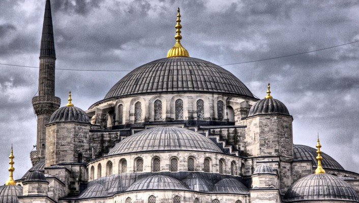 Sultan ahmed mosque in istanbul hdr wallpaper
