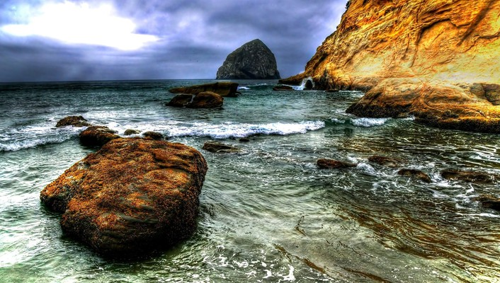 Beautiful cliff on a seashore hdr wallpaper