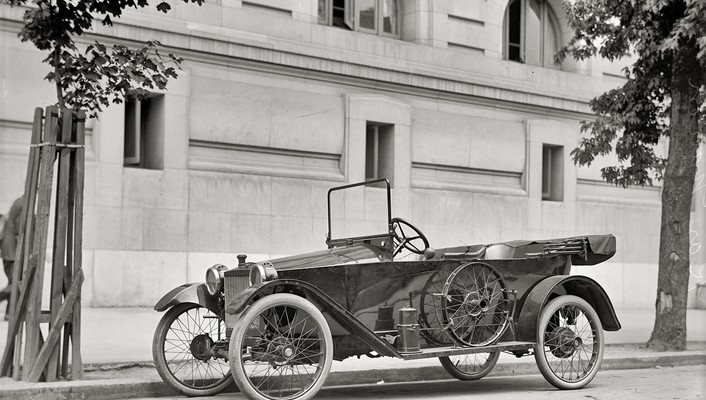Black and white buildings classic cars grayscale historical wallpaper