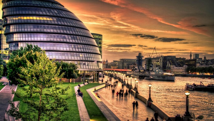 Modern building on riverfront in london hdr wallpaper