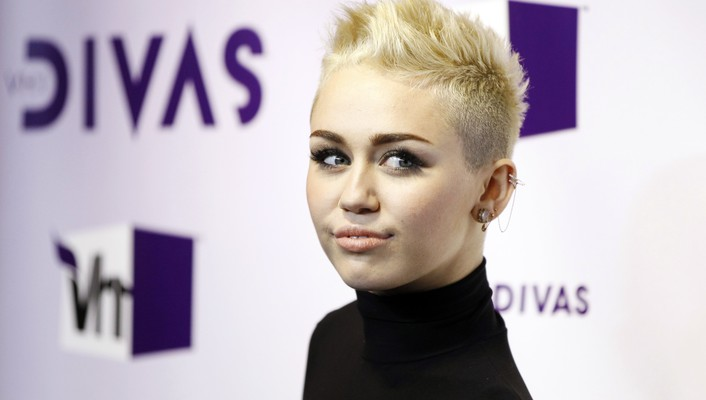 Miley cyrus actress short hair singers wallpaper