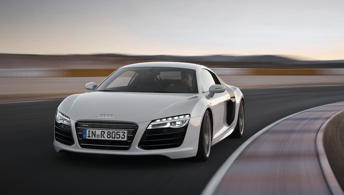 Front roads track sports white r8 v10 wallpaper