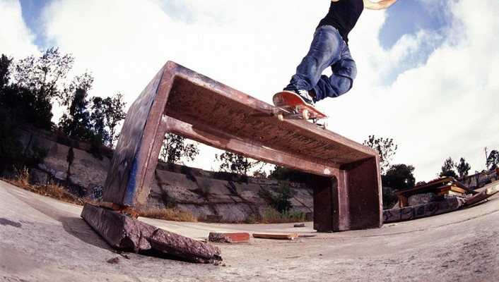 Skateboarding sports wallpaper