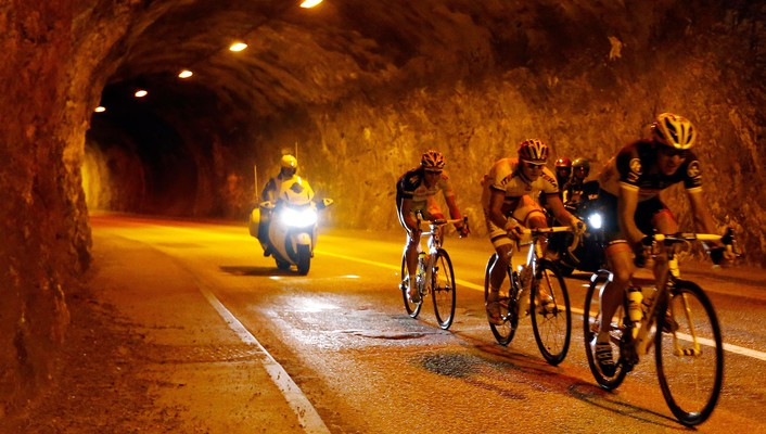 Lights sports tunnels cycling races cycles wallpaper