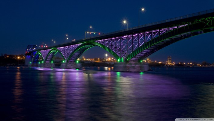 Peace bridge at night wallpaper