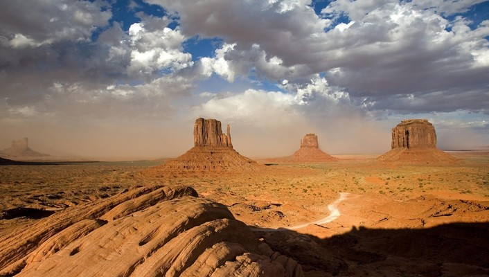 Desert valley monuments wallpaper