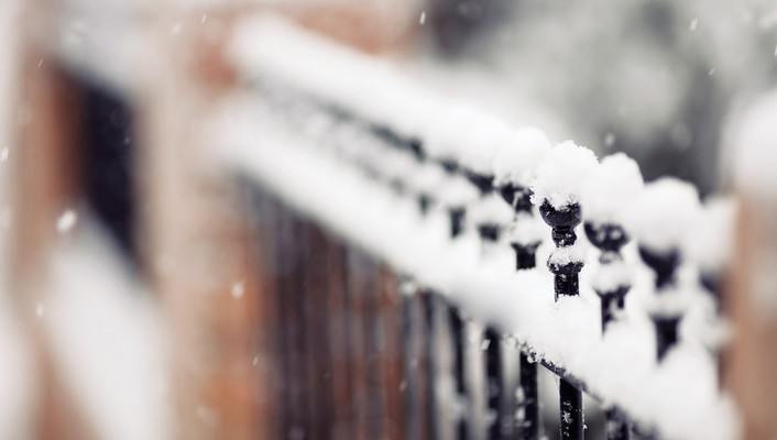 Depth of field fences snow wallpaper