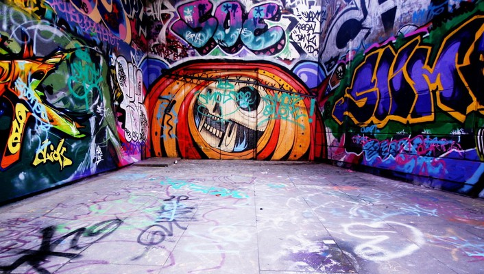 Graffiti wall art wallpaper