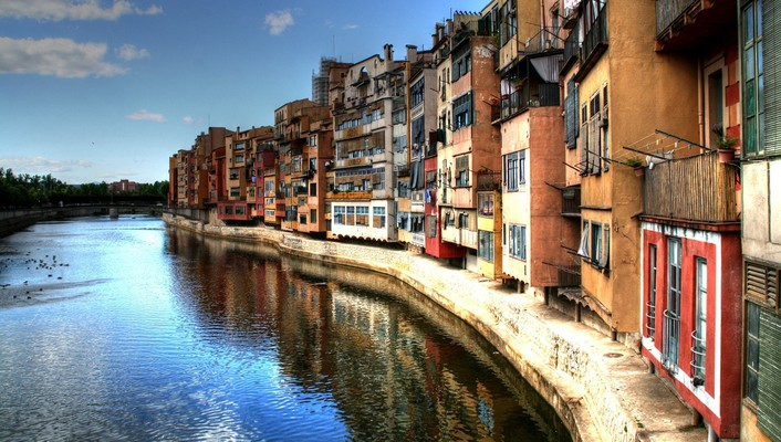 Girona houses rivers wallpaper