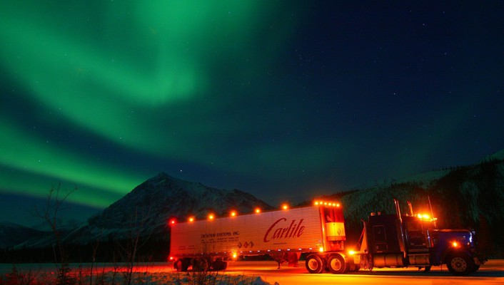 Lights aurora borealis trucks wallpaper