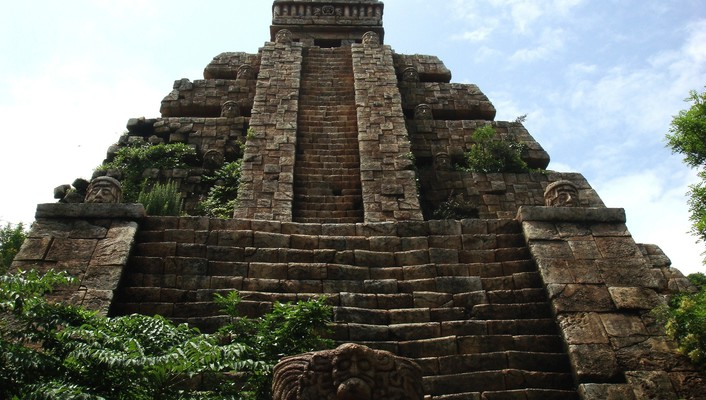 Ancient aztec temples wallpaper
