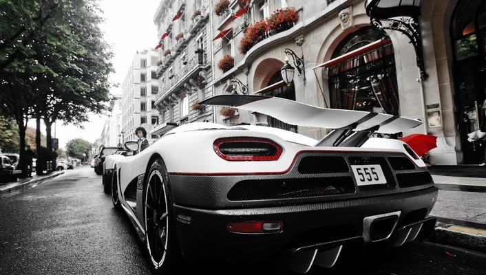 Sports rear view super angle agera r wallpaper