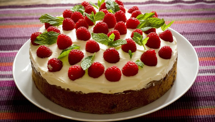 Cakes dessert food icing raspberries wallpaper