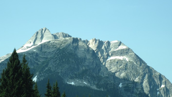 Summit of the rockies in bc wallpaper