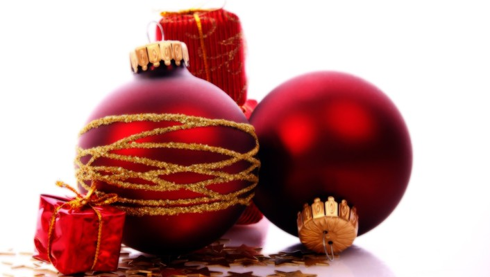 Christmas ornaments red wallpaper