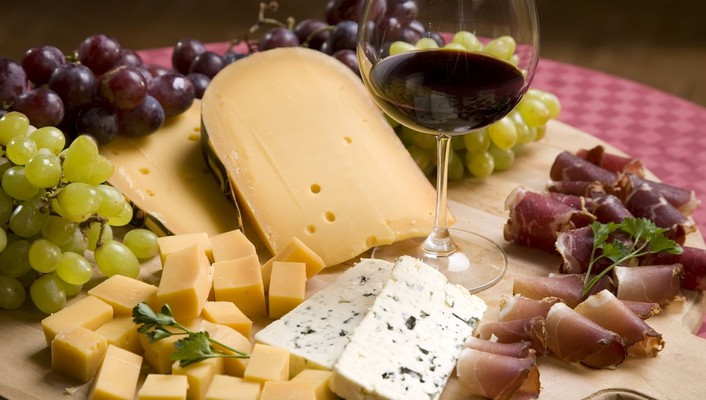 Cheese bacon grapes wine wallpaper