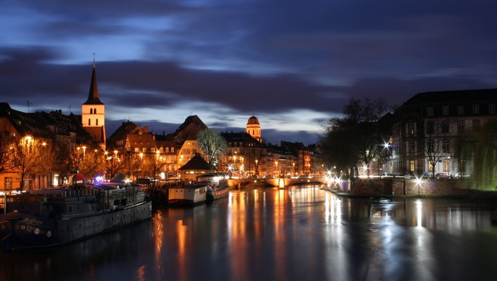 True colors of strasbourg wallpaper